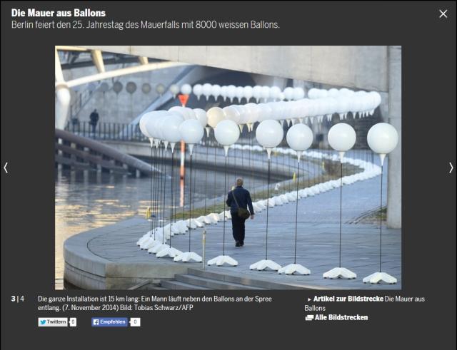Installation Lichtgrenze in Erinnerung an die Mauer in Berlin