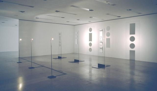 Brigitte Kowanz, Lux, 1998